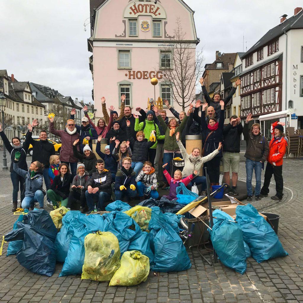 Foto: Dreck-weg-Tag in Koblenz 2019Im Rahmen des Dreck-weg-Tags wurde auch in Koblenz-Ehrenbreitstein viel Müll auf den Straßen und in der Natur gesammelt