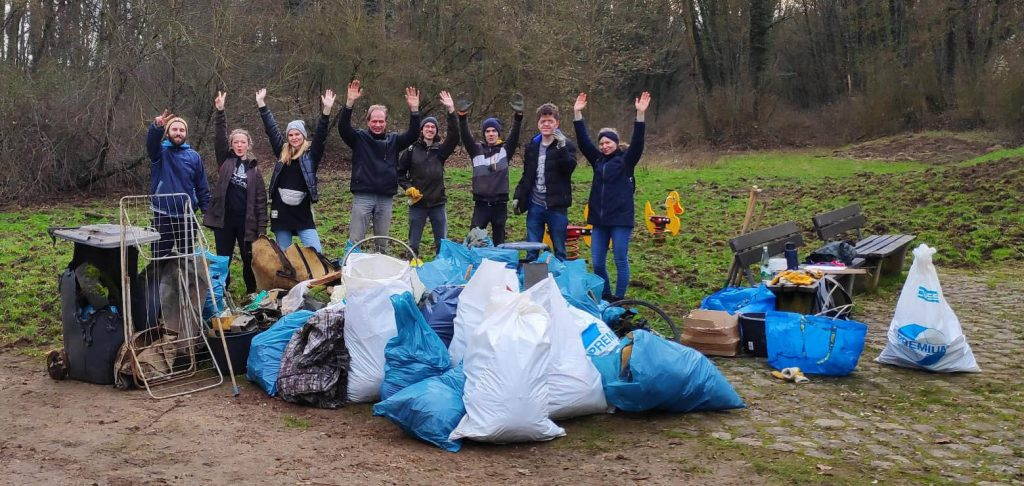 Foto: Cleanup-Team in Koblenz-Karthause