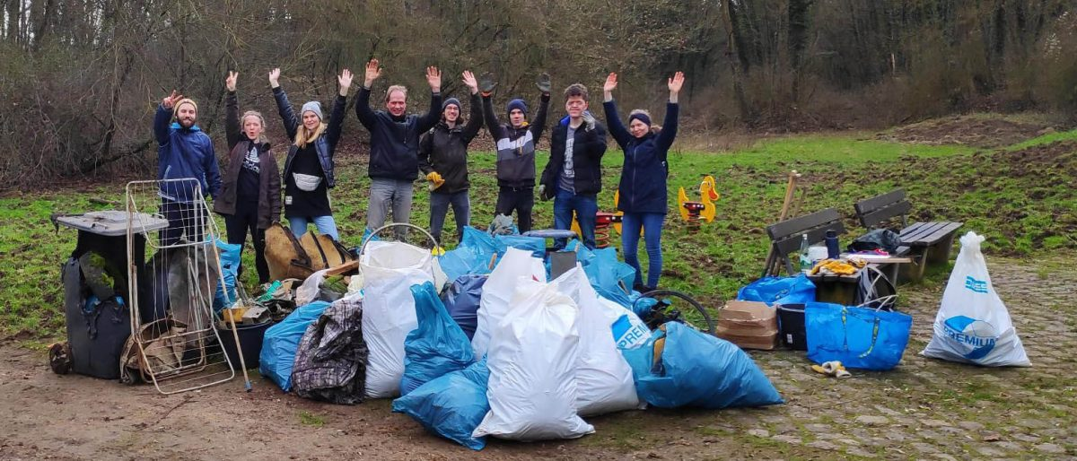 Foto: Cleanup-Team in Koblenz-Karthause